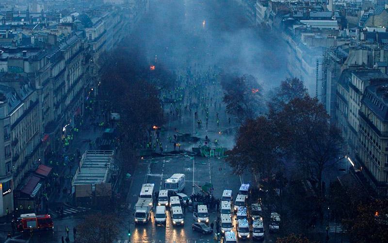 Протестите в Париж