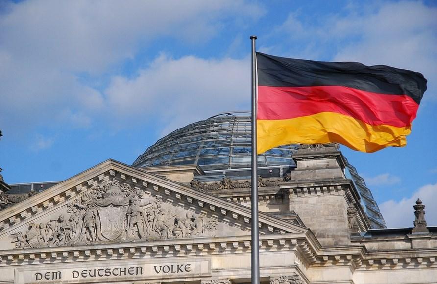 На пук на САЩ, Германия е готова да работи с Huawei за 5G