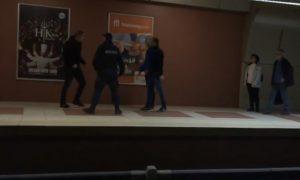 Яростен побой в метрото