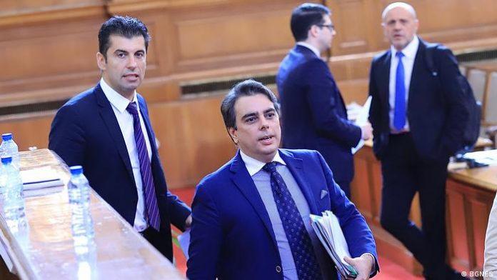 Кой ще бъде мандатоносител на Петков